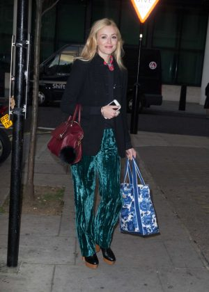 Fearne Cotton - Arriving at the BBC Radio 2 Studios in London