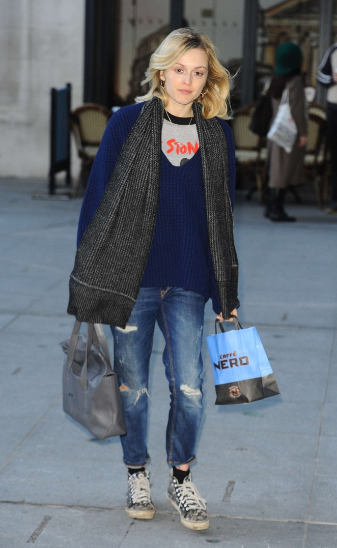 Fearne Cotton in Ripped Jeans at BBC Radio 1 studios in London