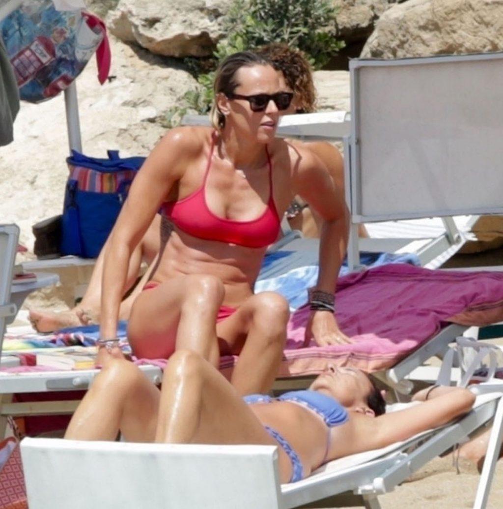 legjobban eladni új termékek nagyon kényelmes Federica Pellegrini with Matteo Giunta - Bikini candids-03 | GotCeleb