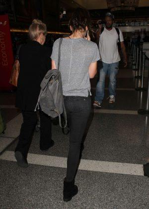 Felicity Jones Arrives at LAX Airport -04