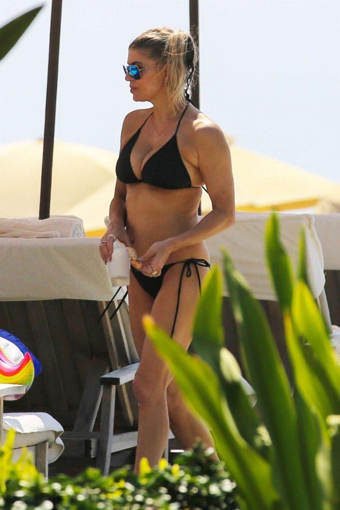 Fergie: Bikini 2017 -02