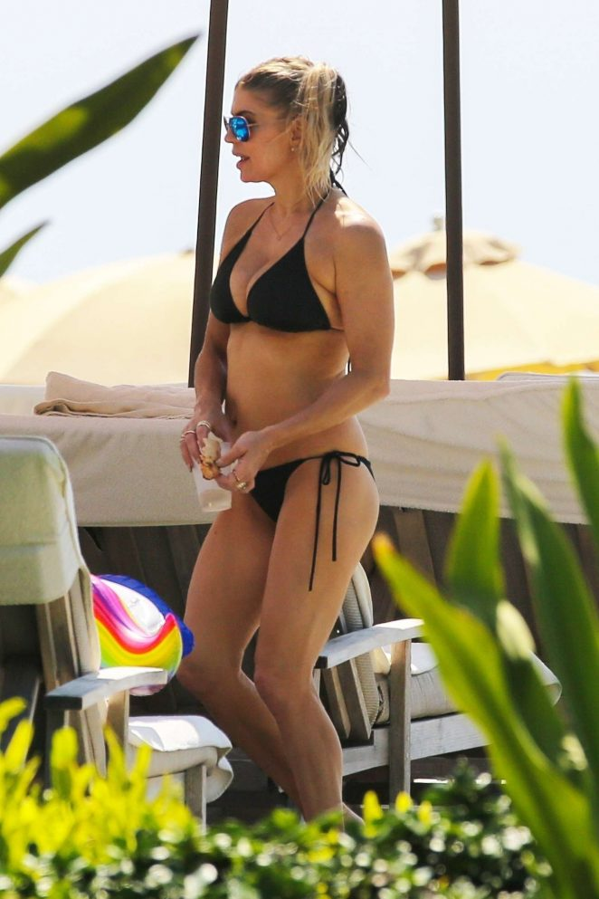 Fergie: Bikini 2017 -07