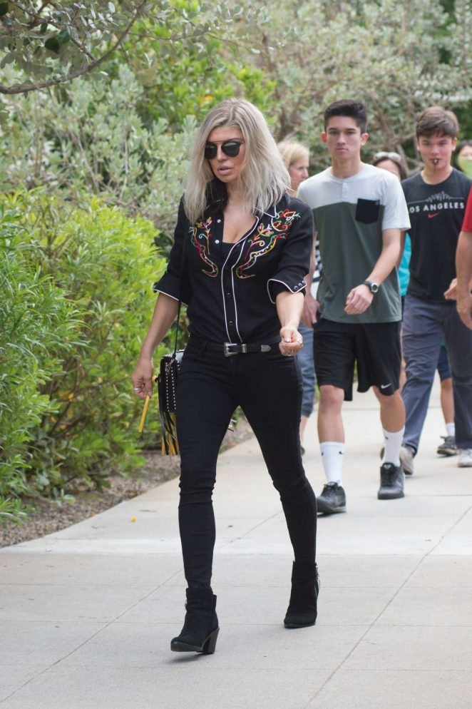 Fergie - Heads to the church in Los Angeles
