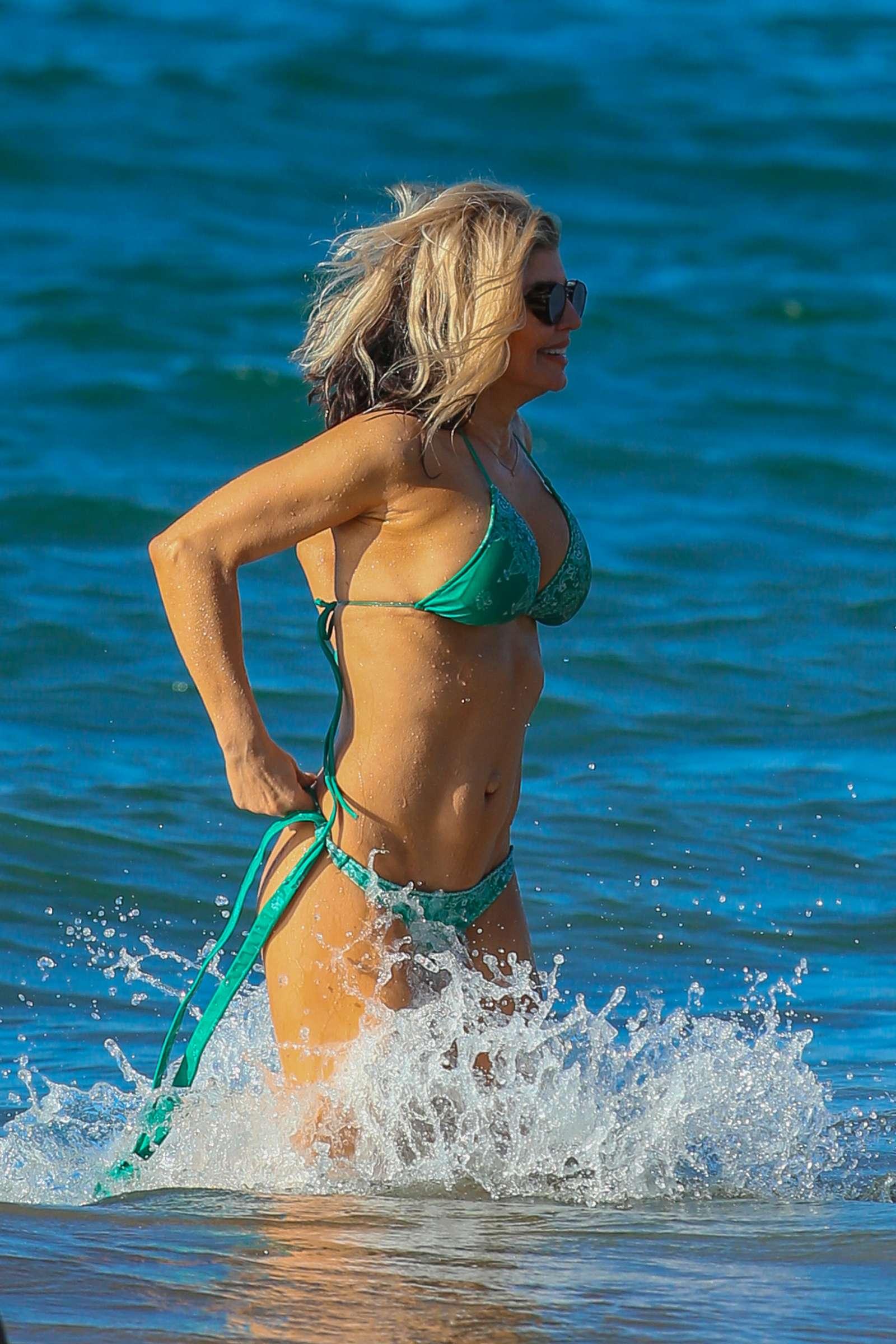 Fergie-in-Bikini-2017--21.jpg