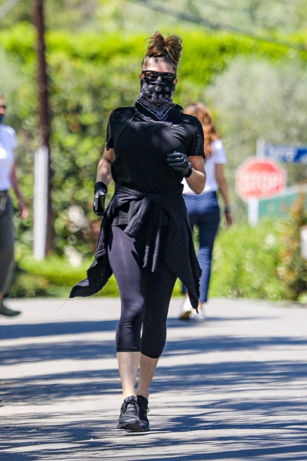 Fergie - Out for a run in Santa Monica