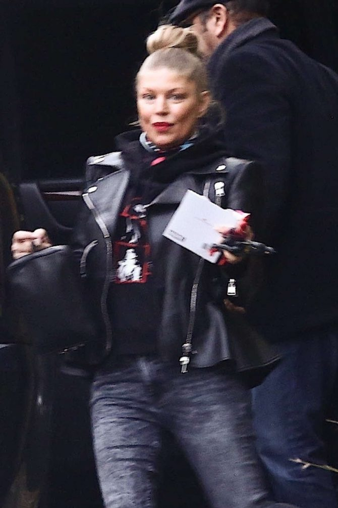 Fergie – Out in Los Angeles