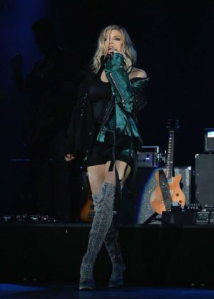 Fergie - Performing in concert in NY