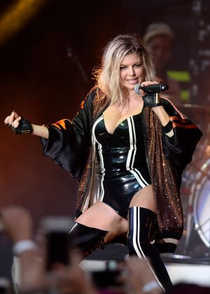 Fergie - Performs at the Pandora Summer Crush Concert in Los Angeles