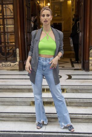 Ferne McCann - Posing at 'Here Come The Boys' Press Night in London