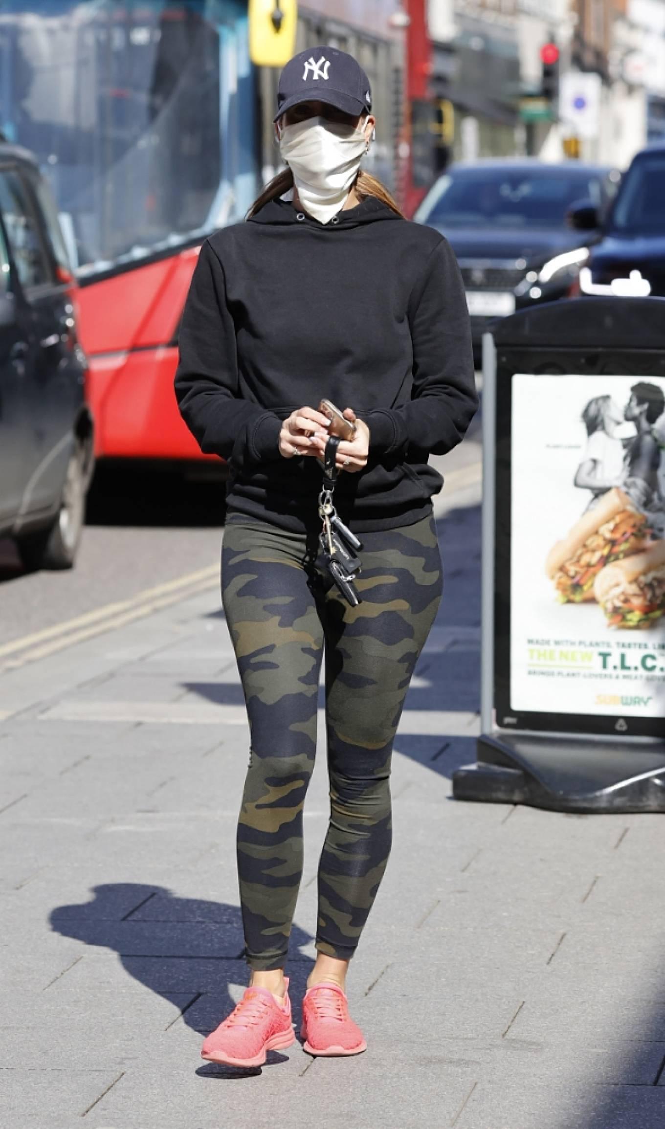 Ferne McCann 2021 : Ferne McCann – Spotted in camo leggings while leaving a nail salon in Essex-09