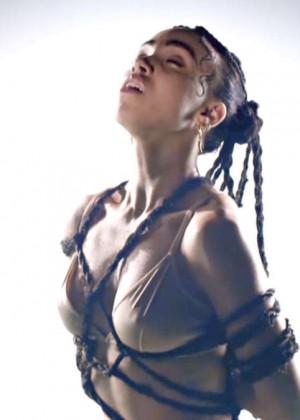 FKA Twigs: New Music Video for Pendulum -03