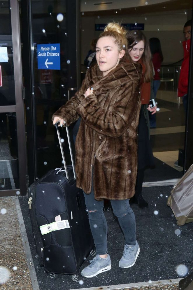 Florence Pugh: Arriving at Salt Lake City Airport -01
