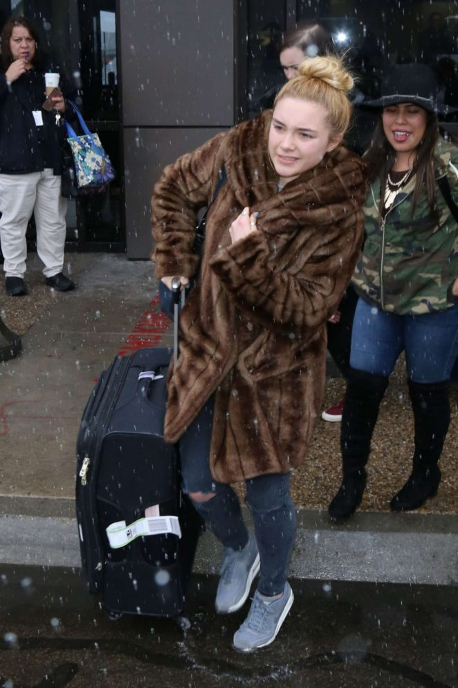 Florence Pugh: Arriving at Salt Lake City Airport -07