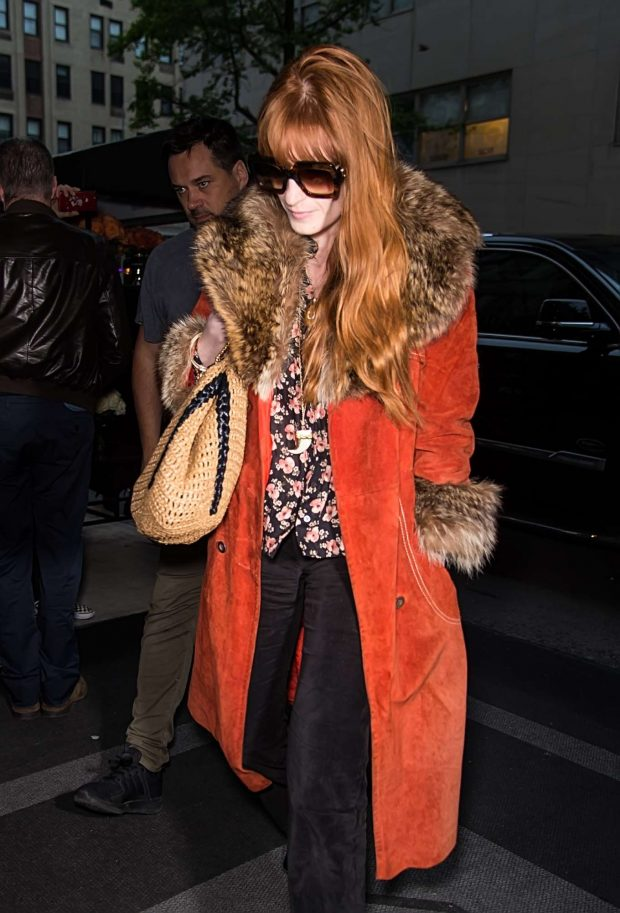 Florence Welch - Arriving at her hotel in NYC