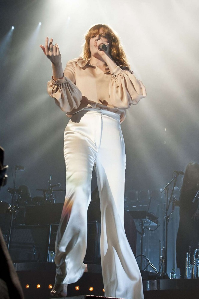 Florence Welch - Florence and The Machine Performing Live in Glasgow