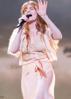 Florence Welch - Performs at BBC Radio 1's Biggest Weekend in Swansea
