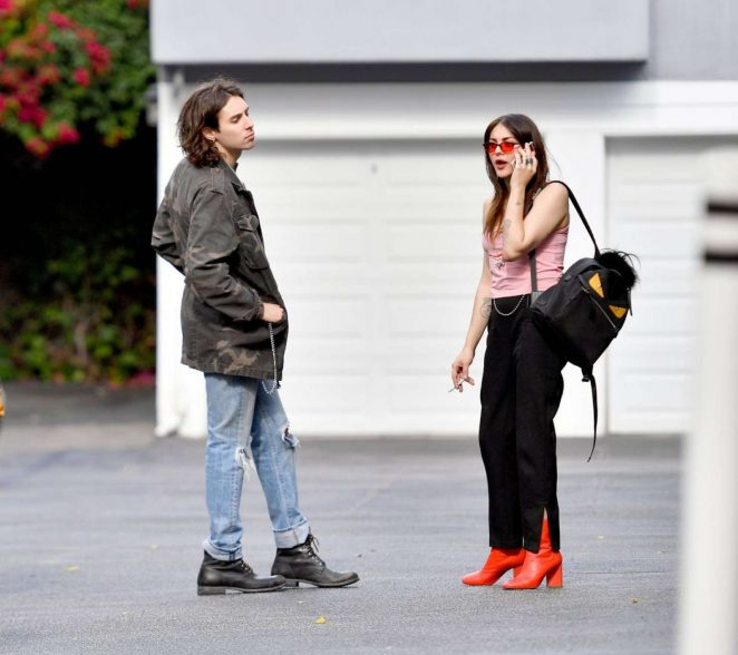 Frances Bean Cobain and Matthew Cook Kissing in LA -01