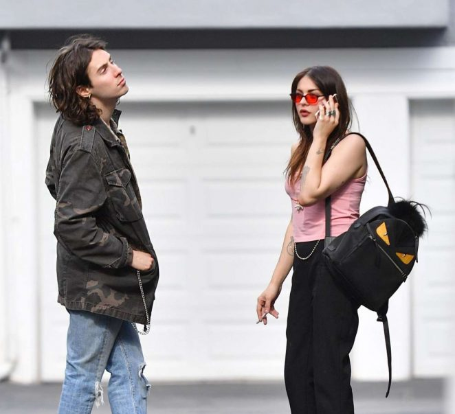 Frances Bean Cobain and Matthew Cook Kissing in LA -05