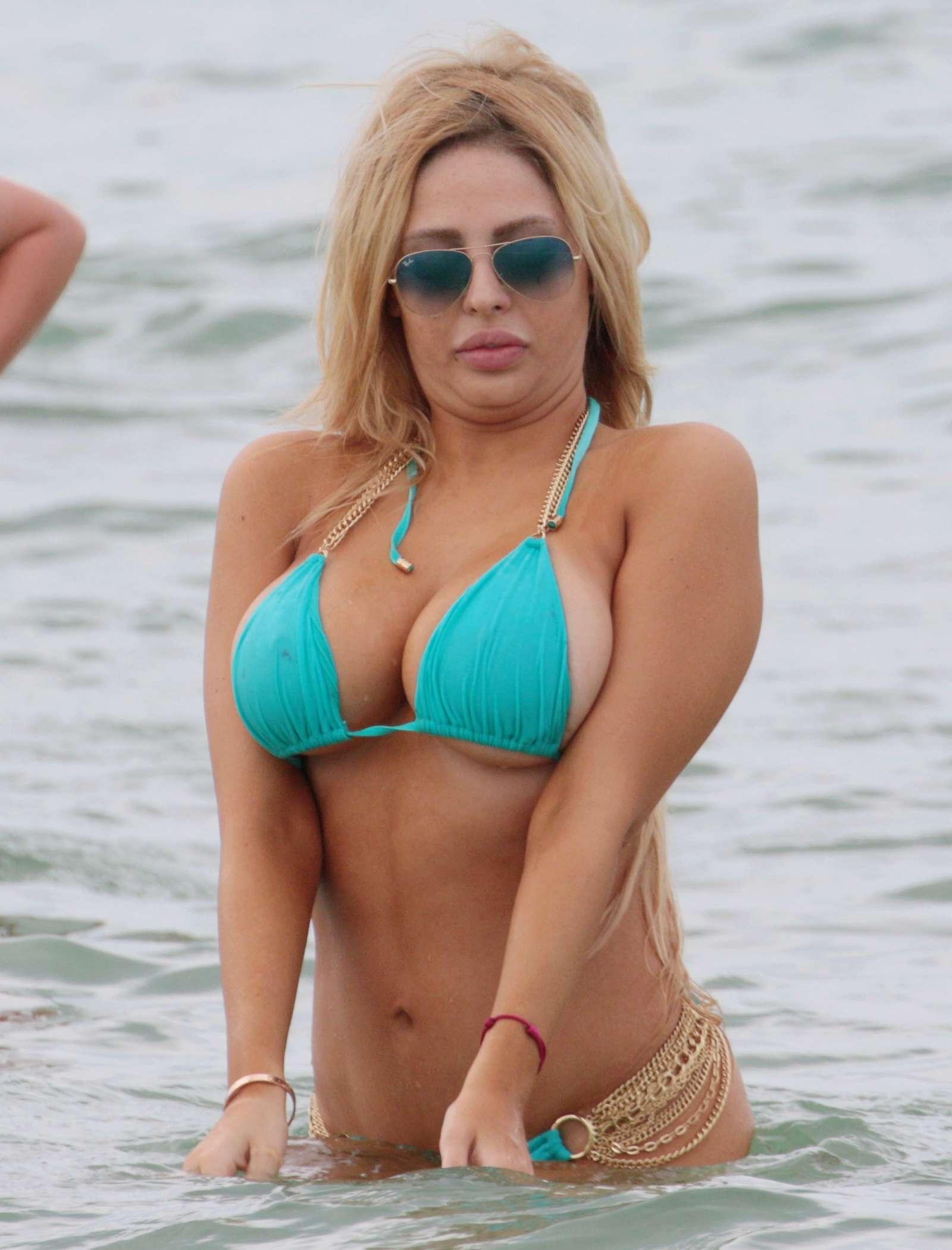Francesca Larrain nude (98 photo) Tits, 2017, bra