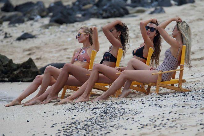 Francis Lola Sophie Elkus Jill Wallace and Mary Leest in Bikini in Hawaii