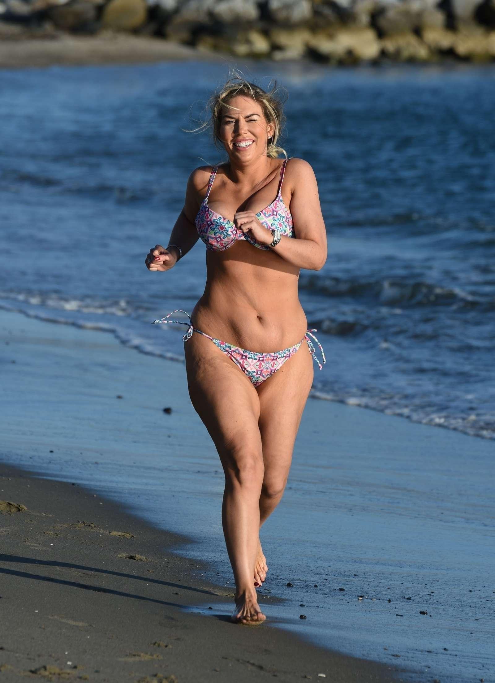 Frankie Essex in Bikini – Jogging at a beach in Tenerife