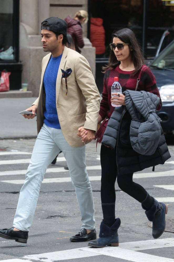 Freida Pinto and her boyfriend out in New York -07 - GotCeleb Freida Pinto Engaged