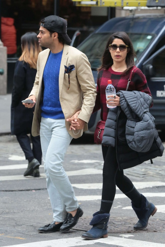 Freida Pinto and her boyfriend out in New York -09 - GotCeleb Freida Pinto Engaged
