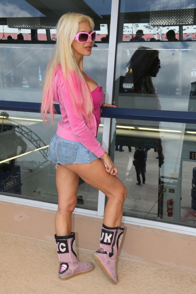 Frenchy Morgan in Jeans Shorts at the Nascar in Los Angeles
