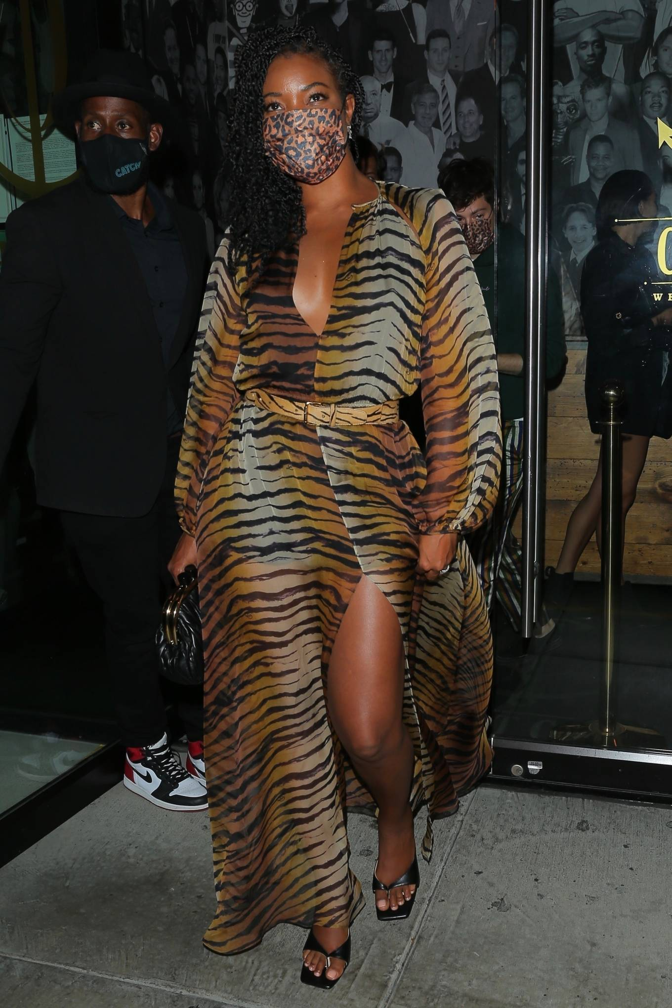 Gabrielle Union - Out for a dinner with friends in West Hollywood