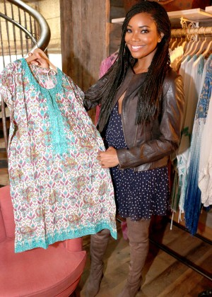 Gabrielle Union: Shopping at the Calypso St Barths Pop Up -01