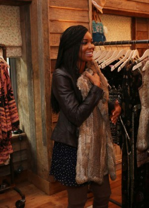 Gabrielle Union: Shopping at the Calypso St Barths Pop Up -10