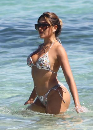 Gaby Suares - Showing her curves in bikini in Miami Beach