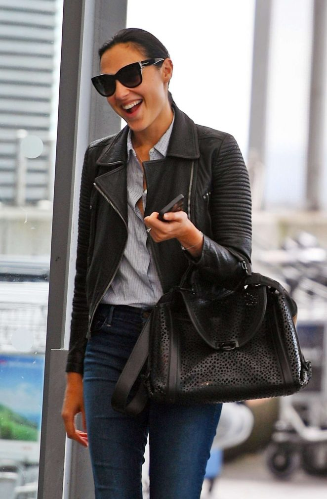 Gal Gadot catches a flight after filming 'Justice League' reshoots in London