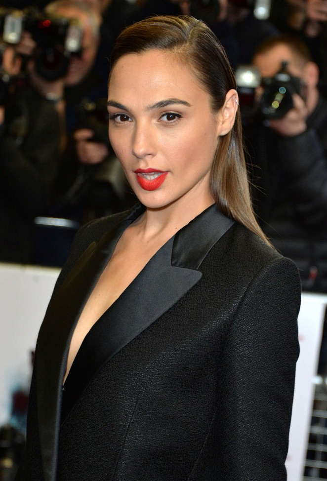 Gal Gadot - 'Criminal' Premiere in London