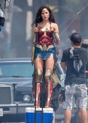 Gal Gadot - Filming an action sequence for 'Wonder Woman 1984' in Washington