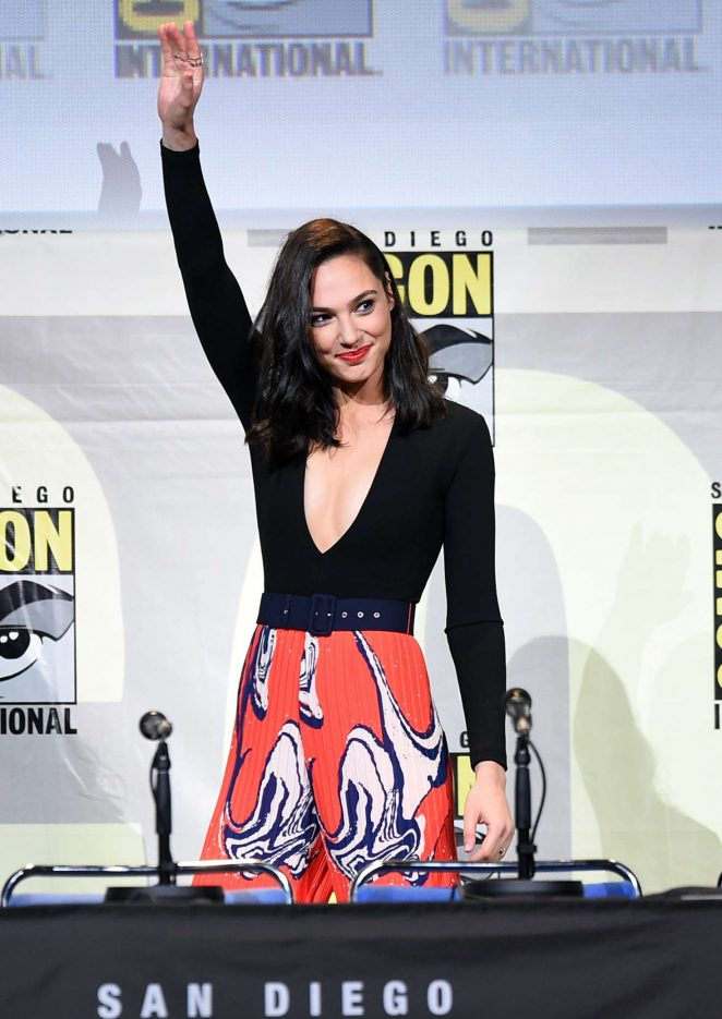 Gal Gadot: Justice League and Wonder Woman at Comic-Con ...