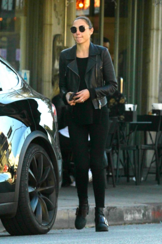 Gal Gadot - Leaving lunch with a friend in Los Angeles