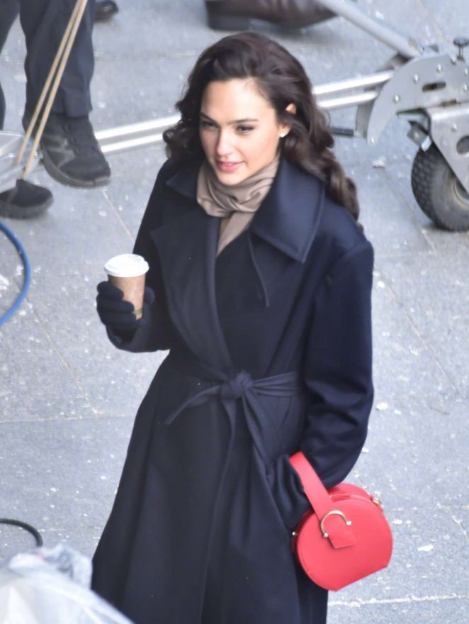 Gal Gadot - On the set of 'Wonder Woman' in London