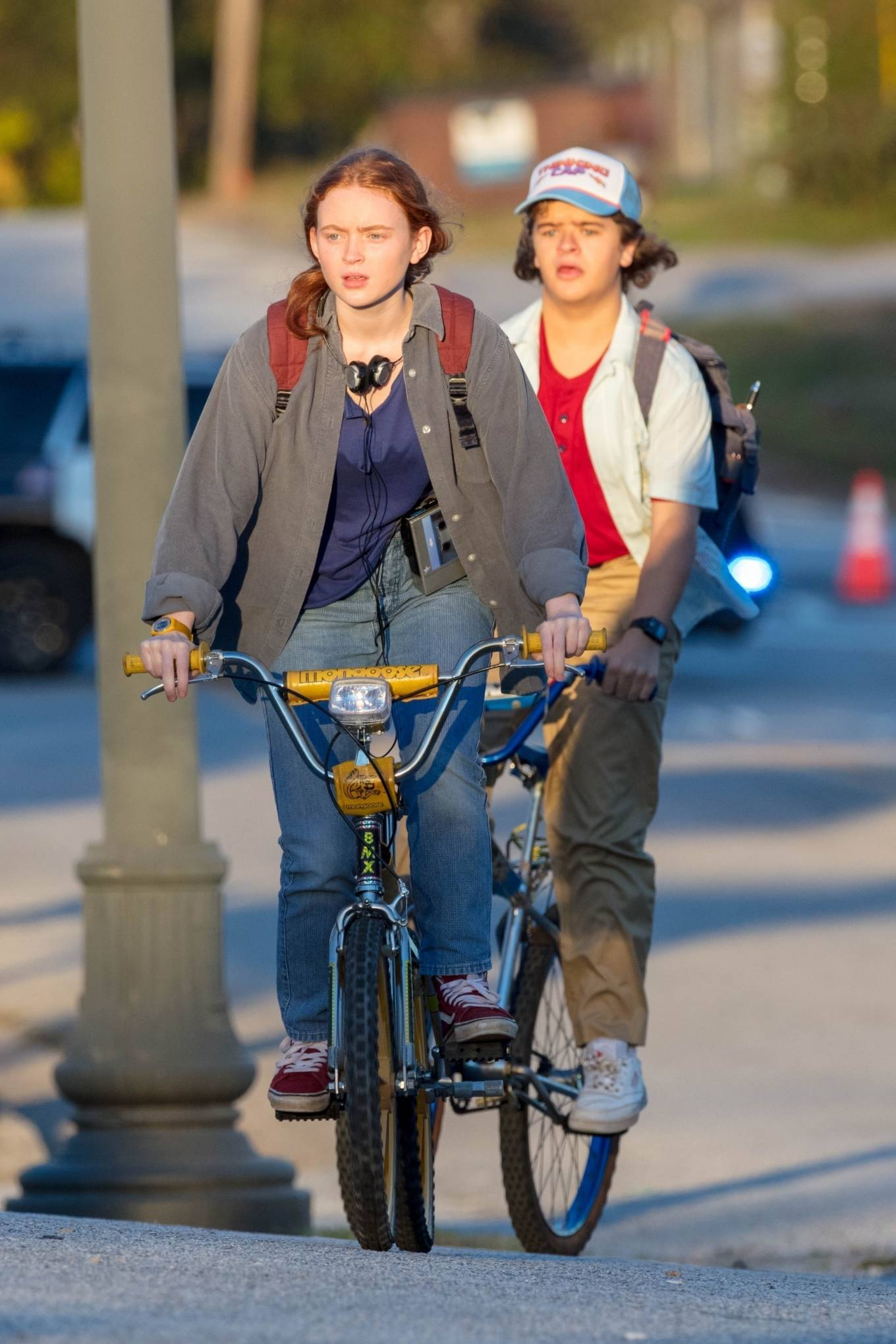 Gaten Matarazzo and Sadie Sink - Golden hour scene for 'Stranger Things' Season 4 in Atlanta
