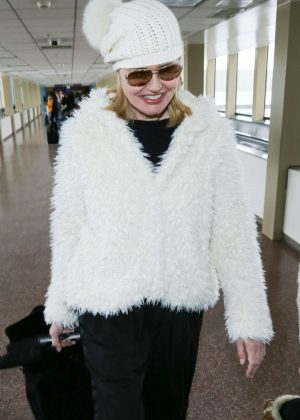 Geena Davis - Arriving at Salt Lake City Airport