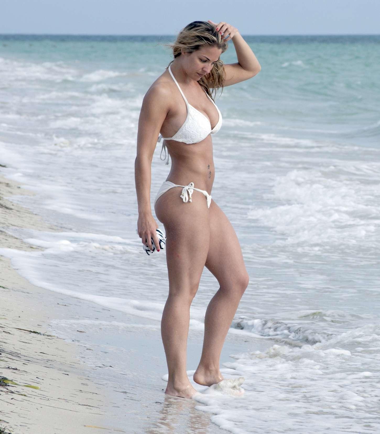Gemma-Atkinson-in-White-Bikini--11.jpg