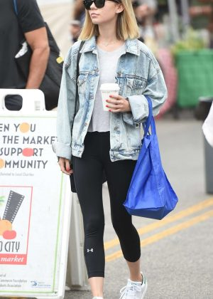 Genevieve Hannelius at Farmers Market in Studio City