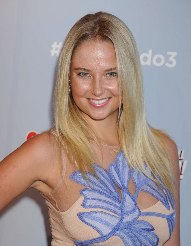 Genevieve Morton - 'Sharknado 3: Oh Hell No!' Premiere in LA