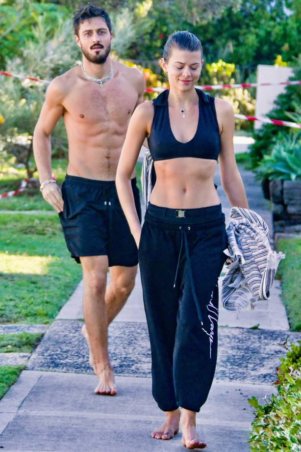 Georgia Fowler and boyfriend Nathan Dalah - Return from the beach in Bondi