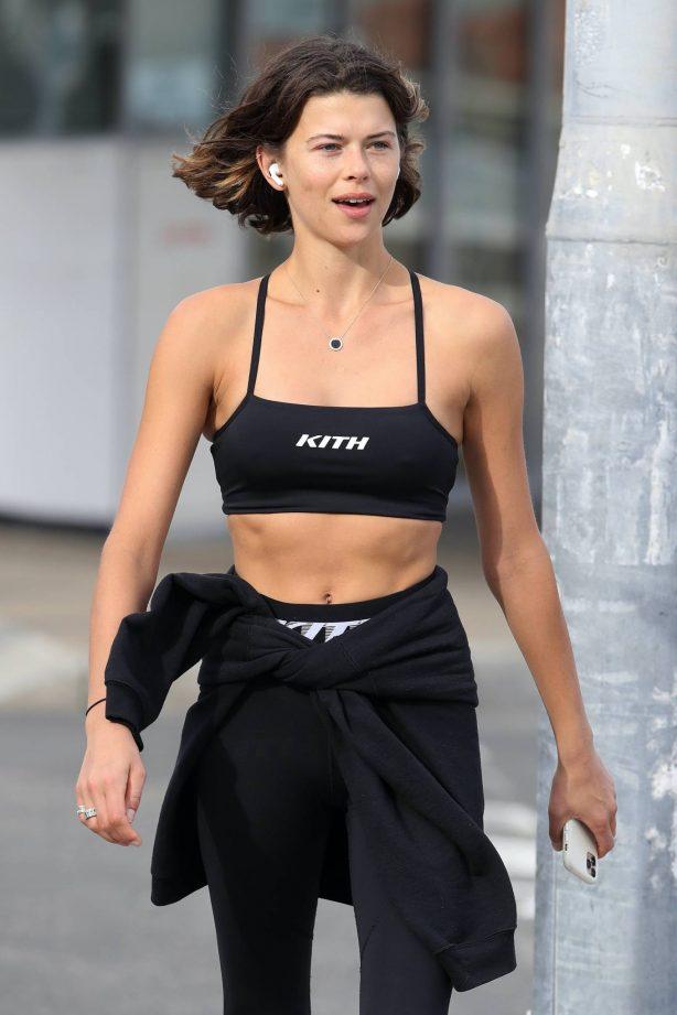 Georgia Fowler in Gym Outfit - On a morning walk in Bondi