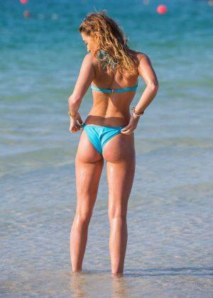 Georgia Harrison in Bikini on the pool in Dubai Pic 28 of 35
