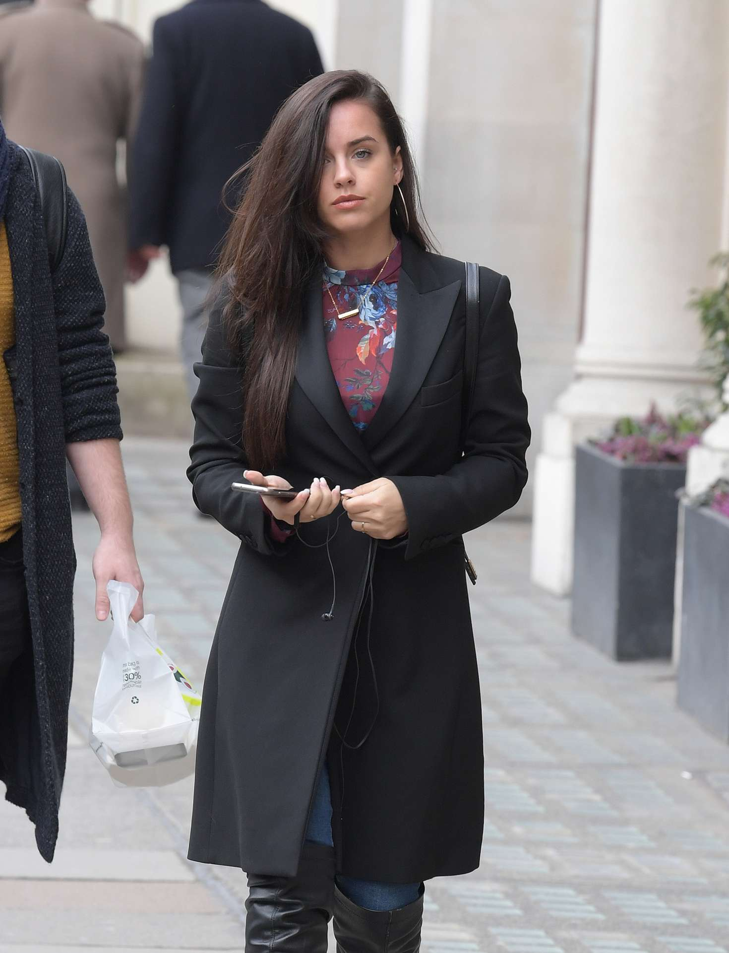 Georgia May Foote - Attending a business lunch meeting in London