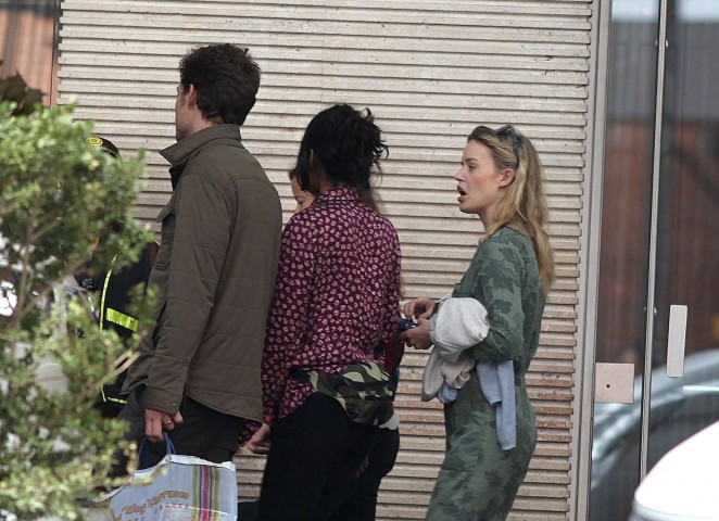 Georgia May Jagger Shopping in the streets of Bogota -02