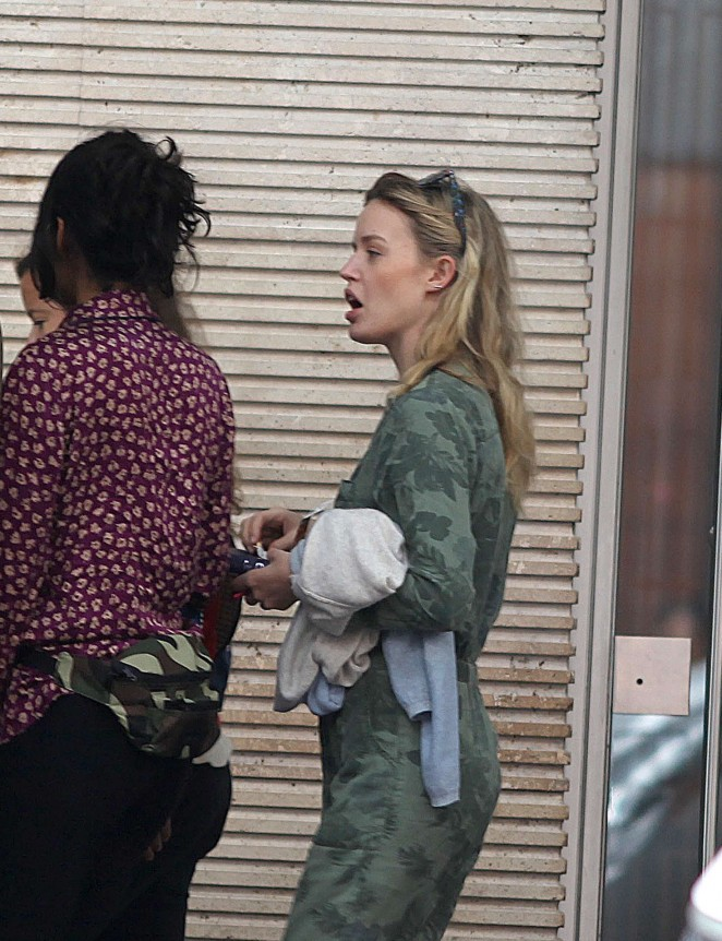 Georgia May Jagger Shopping in the streets of Bogota -08