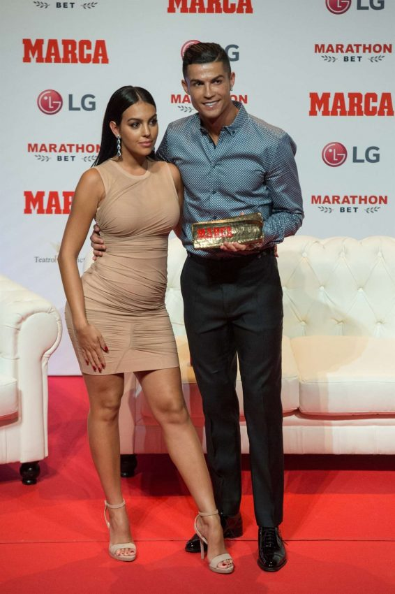 Georgina Rodriguez 2019 : Georgina Rodriguez – Cristiano Ronaldo Receives the 2019 Marca Legend Award-02